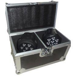 CONJUNTO DE 2x CABEZA MOVIL LED 4-in-1 WASH Y FLIGHT CASE IBIZA LIGHT LMH350LED-2FC